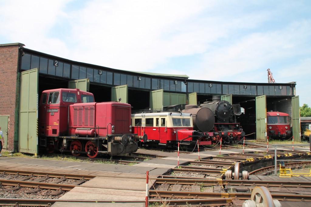 Ein Blick in den Lokschuppen in Darmstadt-Kranichstein am 14.05.2015.