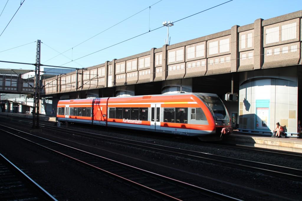 Am 05.06.2015 fuhr ein GTW der Kurhessenbahn als Regionalbahn aus Korbach in den Bahnhof Kassel-Wilhelmshöhe ein um nach einem kurzen Halt zurück zu fahren.