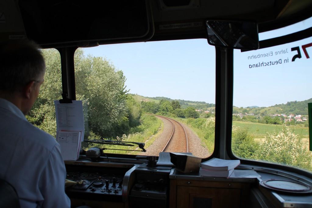 798 829 ist am 08.06.2015 kurz vor Bensheim auf der Nibelungenbahn unterwegs.