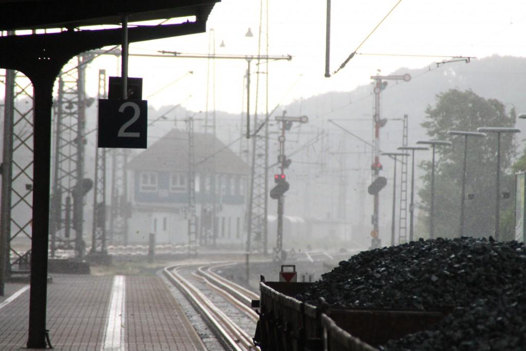 Am 07.07.2015 brach nach einem heißem Sommertag ein starker Regen über dem Bahnhof Dillenburg aus.