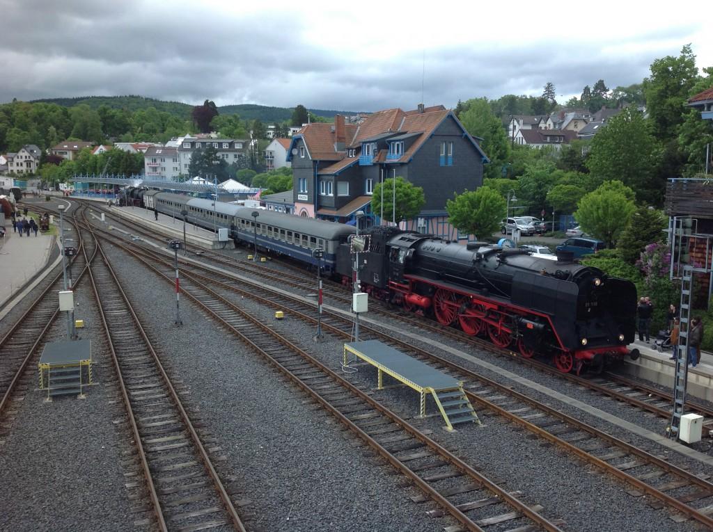 Beim Königsteiner Bahnhofsfest am 20.05.2013 kam 01 118 der HEF im Bahnhof Königstein an.