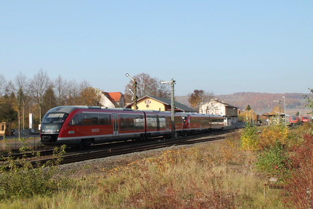 Zwei Desiros der DB verlassen am 31.10.2015 den Bahnhof Glauburg-Stockheim in Richtung Altenstadt.