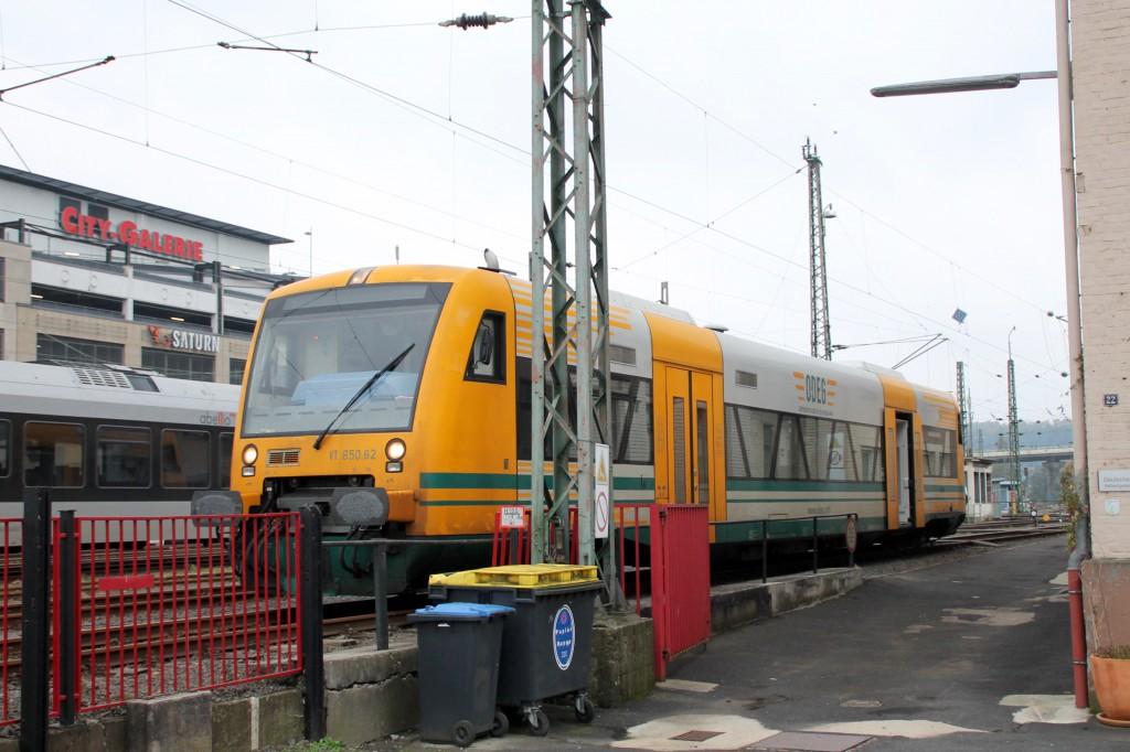 650 062 der ODEG steht am 15.10.2015 im Bahnhof Siegen.