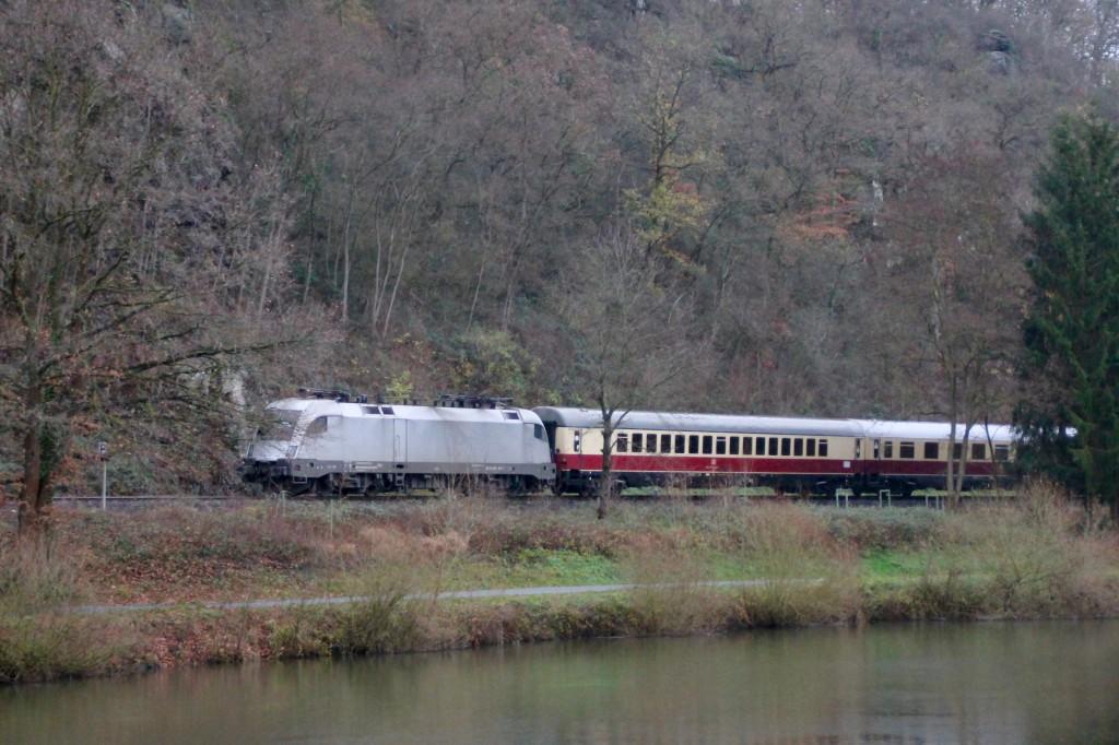 Der wahrscheinlich erste TAURUS auf der Lahntalbahn, dieser lief am 29.11.2015 am Schluss eines Sonderzuges mit.