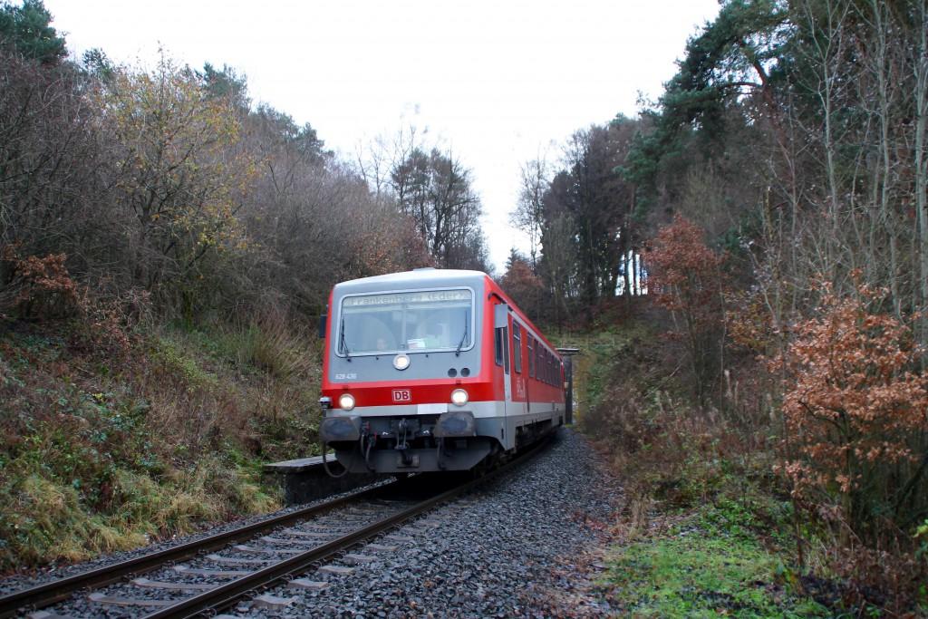 628 436 auf dem Weg in Richtung Frankenberg, aufgenommen am 28.11.2015.