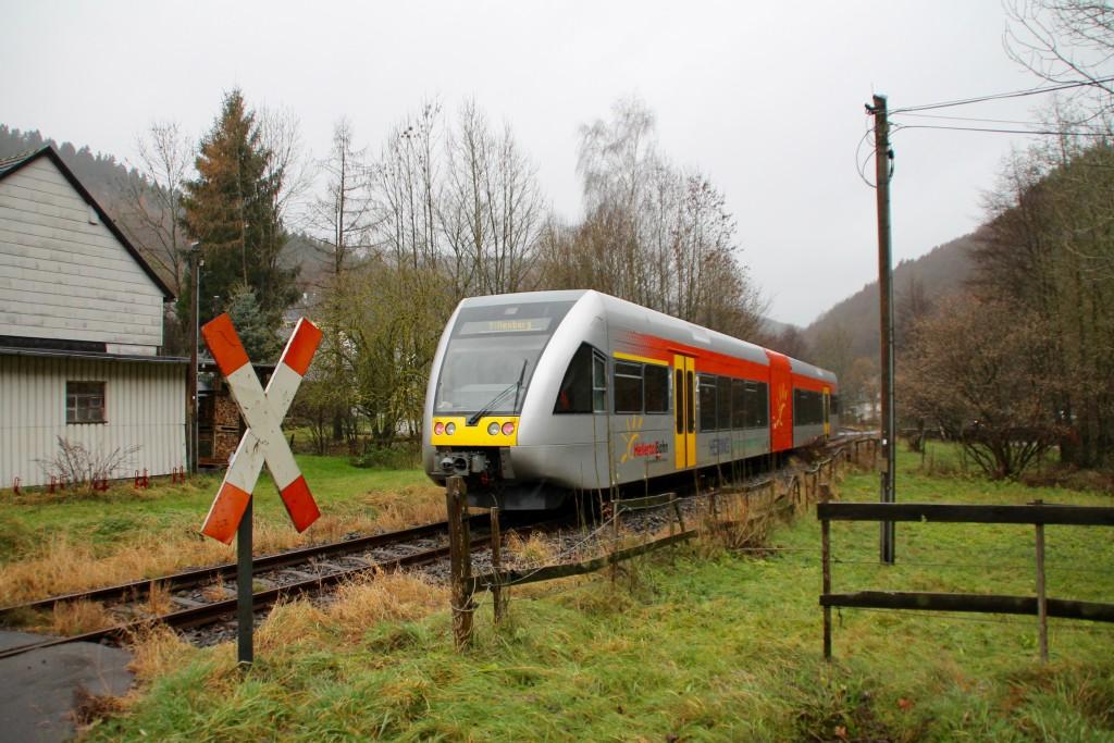 Ein GTW in Schutzbach auf der Daadetalbahn, aufgenommen am 29.11.2015.