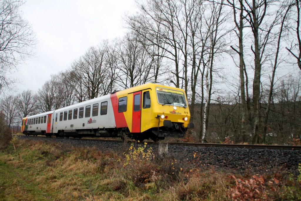 629 072 bei Altenseelbach auf der Hellertalbahn, aufgenommen am 29.11.2015.