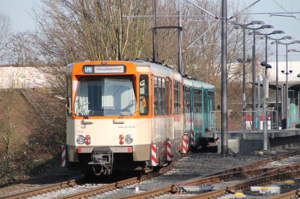 Ein PTW Triebwagen der VGF in Frankfurt-Preungesheim, aufgenommen am 06.02.2016.