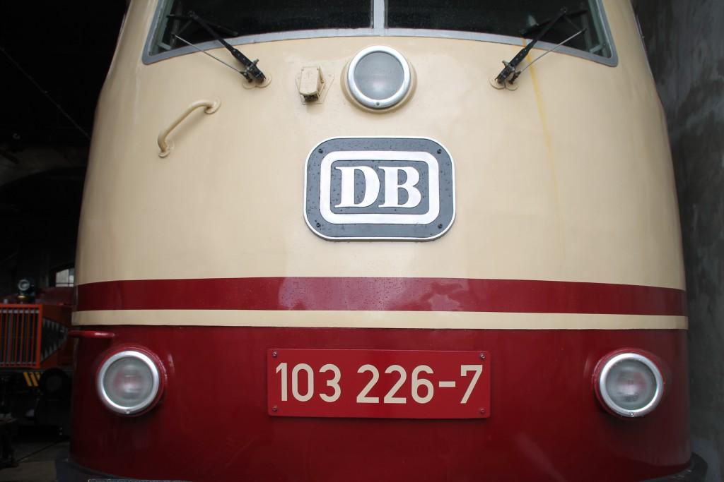 103 226, aufgenommen am 27.03.2016 im Bw Siegen.