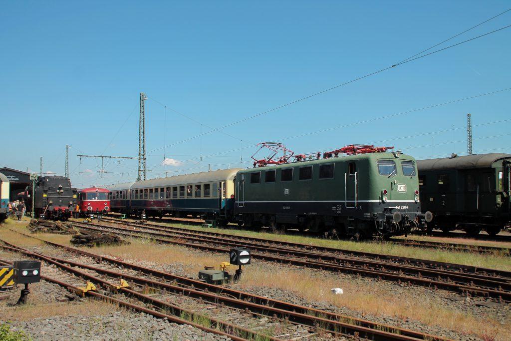 141 228 im Eisenbahnmuseum Darmstadt-Kranichstein, aufgenommen am 14.05.2015.