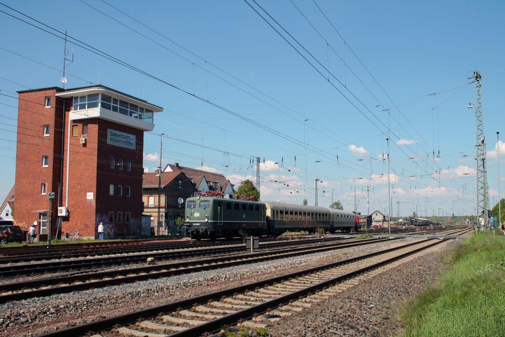 141 228 am Stellwerk in Darmstadt-Kranichstein, aufgenommen am 07.05.2016.