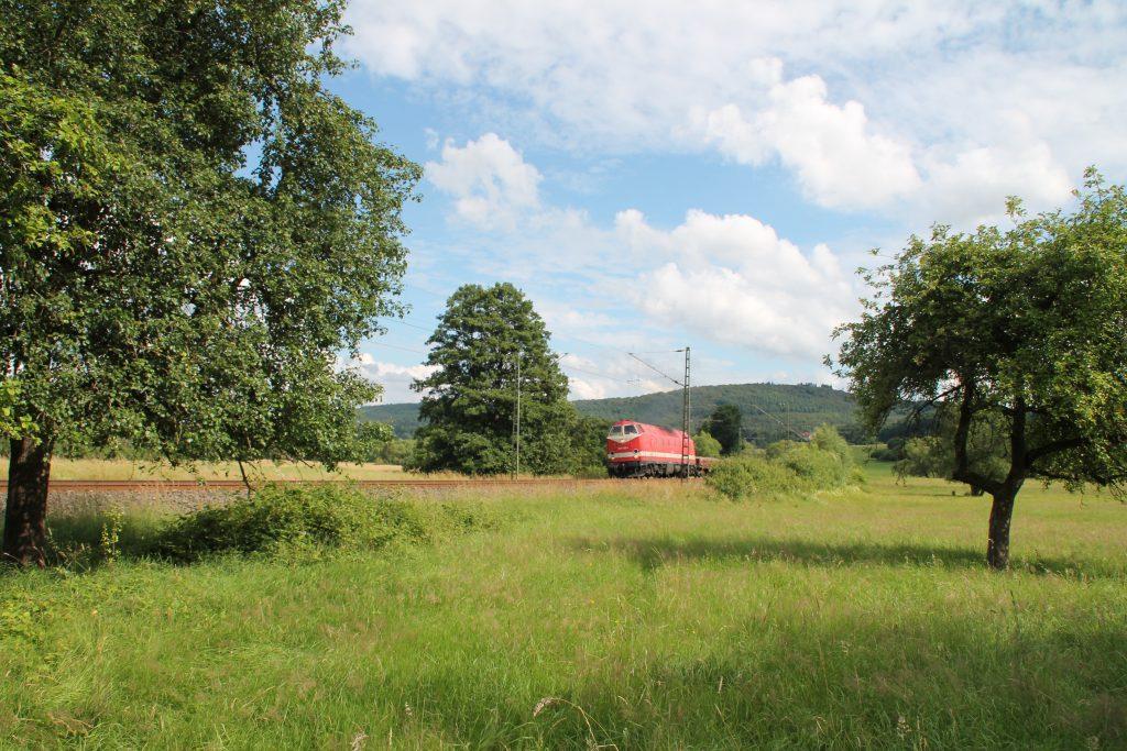 229 147 bei Dillheim auf der Dillstrecke, aufgenommen am 28.06.2016.