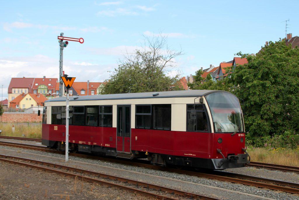 187 015 rangiert im Bahnhof Nordhausen auf der Harzquerbahn, aufgenommen am 03.07.2016.