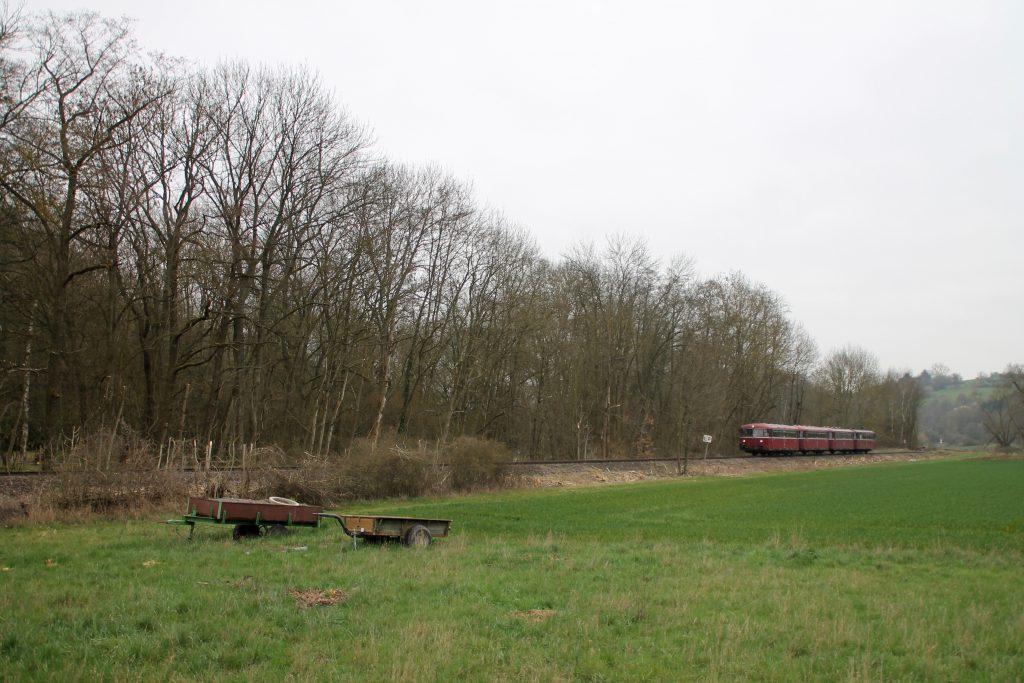 796 690, 996 299, 996 309, 796 802 in den Feldern bei Waldlaubersheim auf der Hunsrückquerbahn, aufgenommen am 02.04.2016.