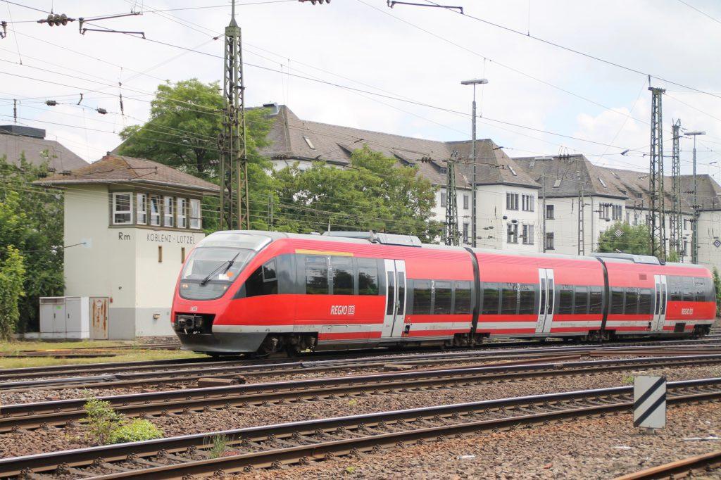 643 037 in Koblenz-Lützel, aufgenommen am 19.06.2016.
