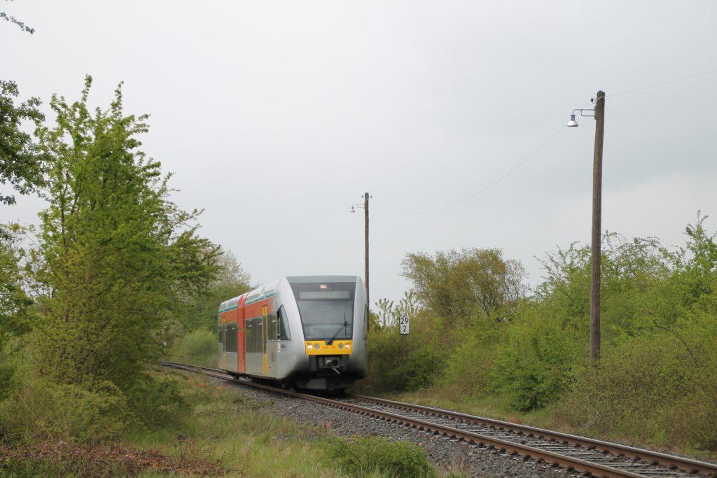 Ein GTW der HLB bei Rodheim zwischen Friedberg und Friedrichsdorf, aufgenommen am 23.03.2016.