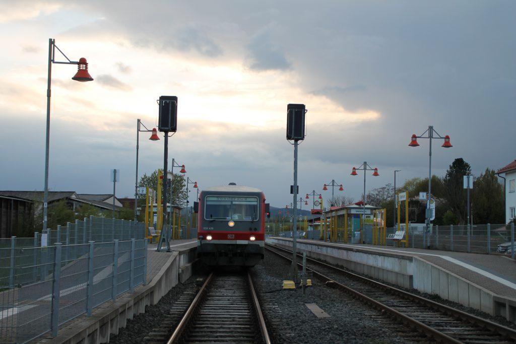 628 429 im Bahnhof Wehrheim auf der Taunusbahn, aufgenommen am 23.04.2016.