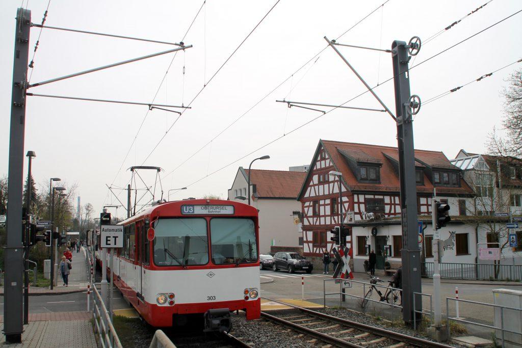 U2 Wagen der VGF in Niederursel, aufgenommen am 03.04.2016.