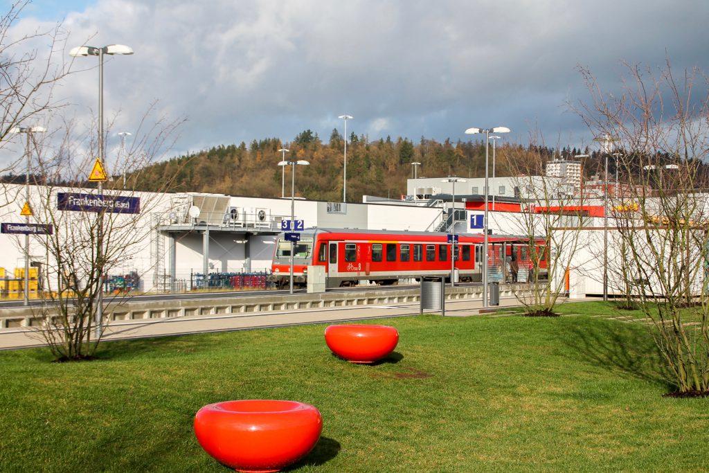 628 436 steht im Bahnhof Frankenberg, aufgenommen am 28.11.2015.