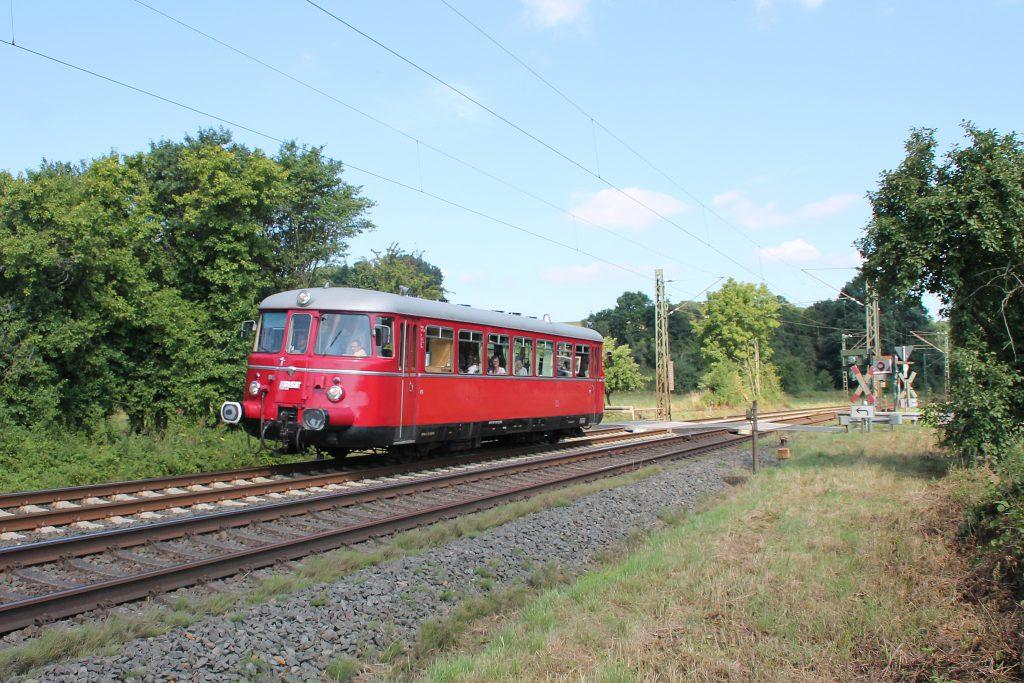 Ein MAN-Schienenbus bei Dillheim auf der Dillstrecke, aufgenommen am 07.08.2016.