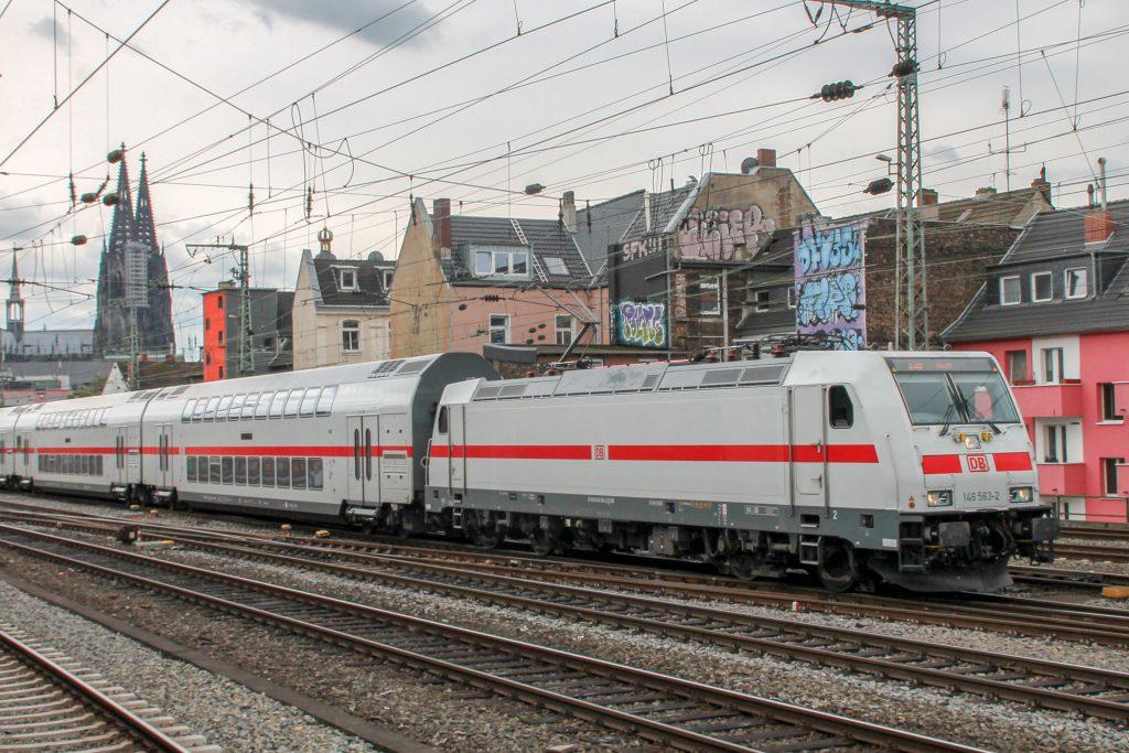 146 563 bei der Durchfahrt in Köln-Hansaring, aufgenommen am 11.08.2016.