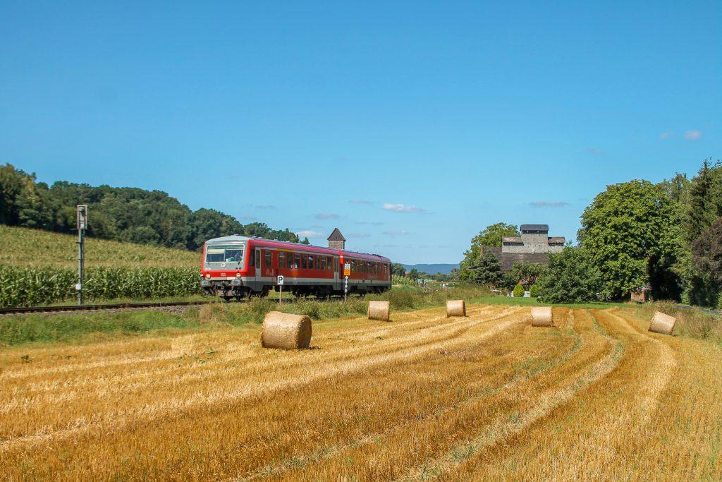 628 436 bei Niederwetter auf der Burgwaldbahn, aufgenommen am 17.08.2016.