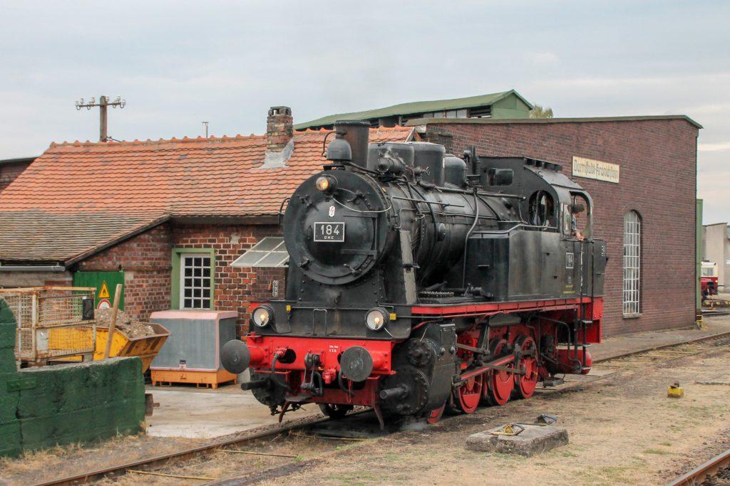 DME 184 neben dem Lokschuppen im Eisenbahnmuseum in Darmstadt-Kranichstein, aufgenommen am 17.09.2016.