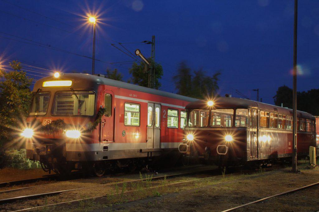 420 298 und 798 829 stehen auf dem OEF-Gelände in Gießen, aufgenommen am 23.05.2015.