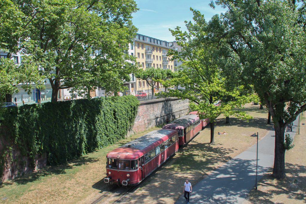 996 677, 798 589, 998 184 und 798 829 auf der Hafenbahn in Frankfurt, aufgenommen am 14.06.2016.