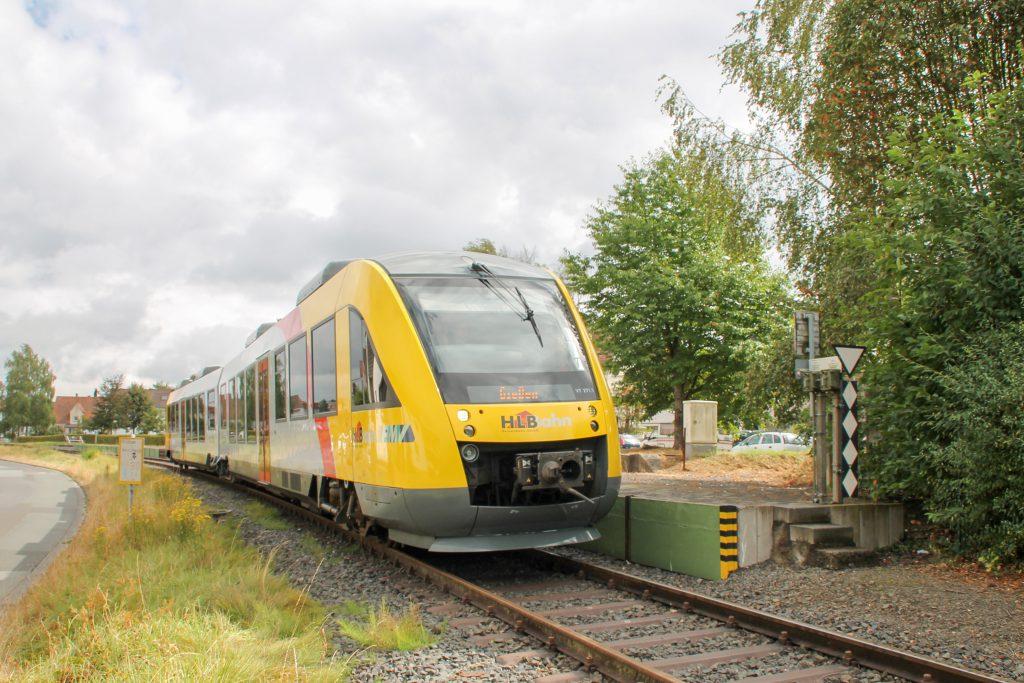Am Bahnsteig in Mainzlar auf der Lumdatalbahn steht 648 011, aufgenommen am 04.09.2016.
