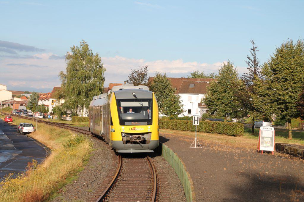 648 011 am Haltepunkt in Mainzlar auf der Lumdatalbahn, aufgenommen am 04.09.2016.