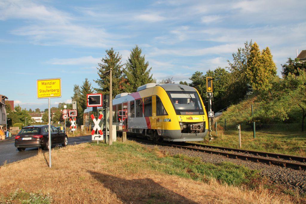 648 011 verlässt Mainzlar auf der Lumdatalbahn, aufgenommen am 04.09.2016.