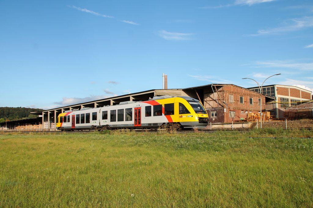648 011 an den Didier-Werke in Mainzlar auf der Lumdatalbahn, aufgenommen am 04.09.2016.