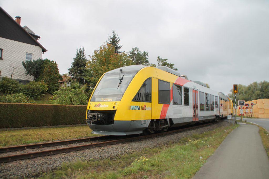 648 021 und 648 027 der HLB in Mainzlar auf der Lumdatalbahn, aufgenommen am 09.10.2016.