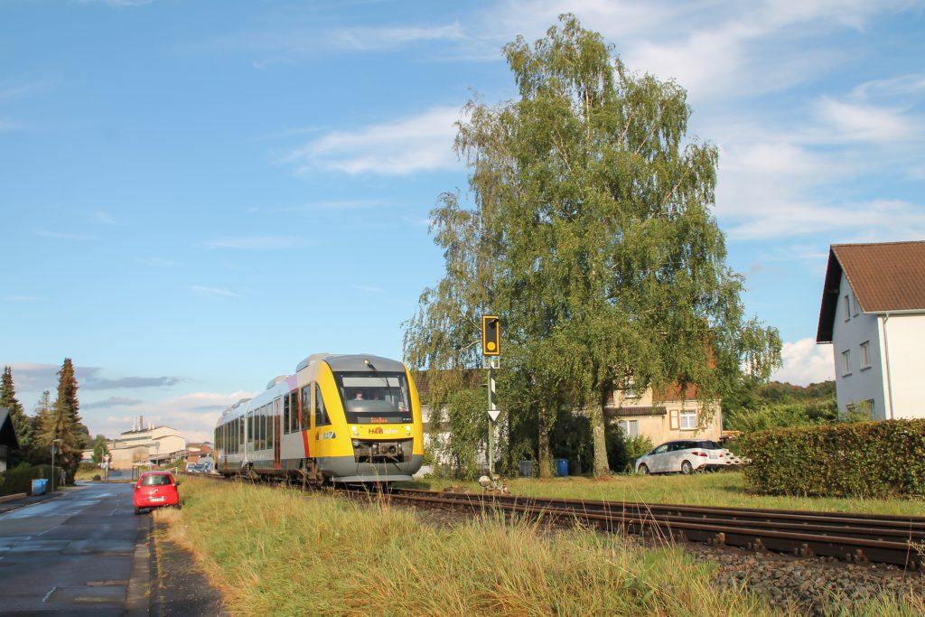 648 011 in Mainzlar auf der Lumdatalbahn, aufgenommen am 04.09.2016.