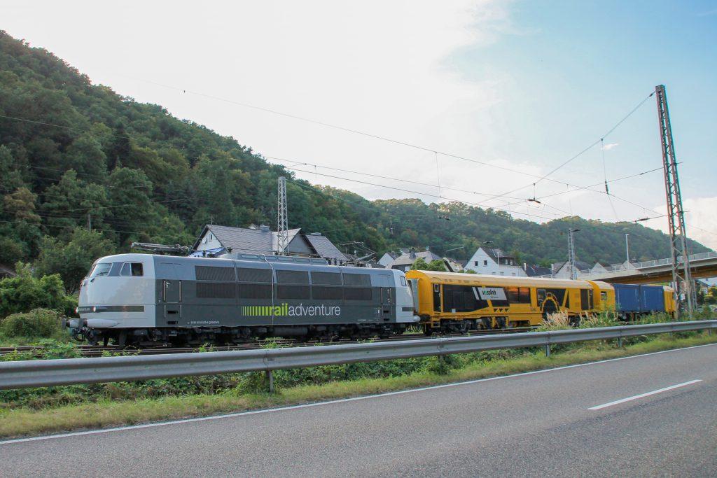 103 222 von RailAdventure in Lehmen auf der Moselstrecke, aufgenommen am 27.08.2016.