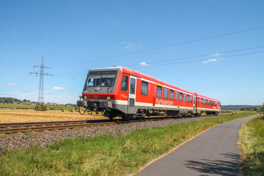 628 250 bei Sterzhausen auf der oberen Lahntalbahn, aufgenommen am 17.08.2016.