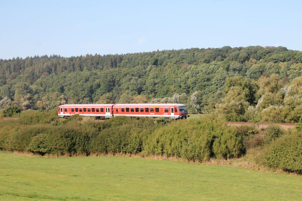 Ein 628 bei Obermarsberg auf der oberen Ruhrtalbahn, aufgenommen am 26.09.2016.