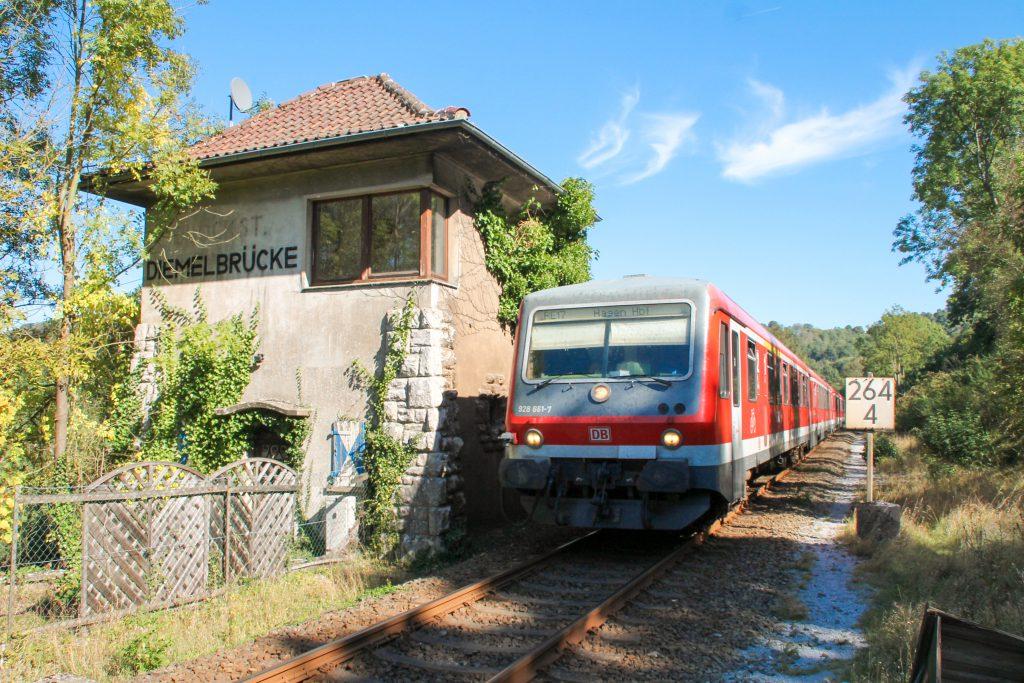 628 661 an der ehemaligen Blockstelle Diemelbrücke bei Obermarsberg auf der oberen Ruhrtalbahn, aufgenommen am 26.09.2016.
