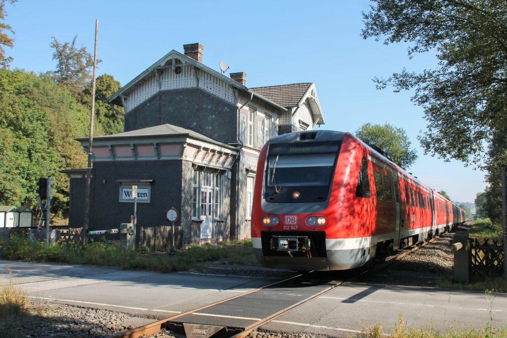 612 047 mit zwei weiteren 612 in Wrexen auf der oberen Ruhrtalbahn, aufgenommen am 26.09.2016.