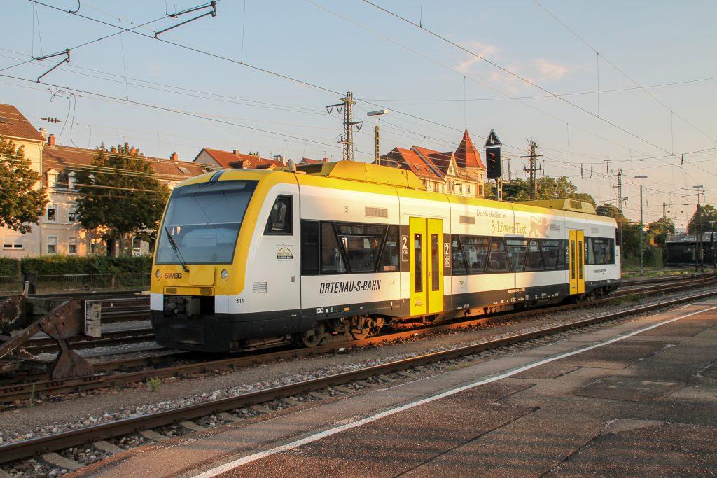650 573 der SWEG steht im Bahnhof Offenburg, aufgenommen am 10.09.2016.
