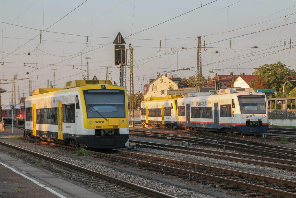 650 573, 650 572 und 650 575 der SWEG stehen im Bahnhof Offenburg, aufgenommen am 10.09.2016.