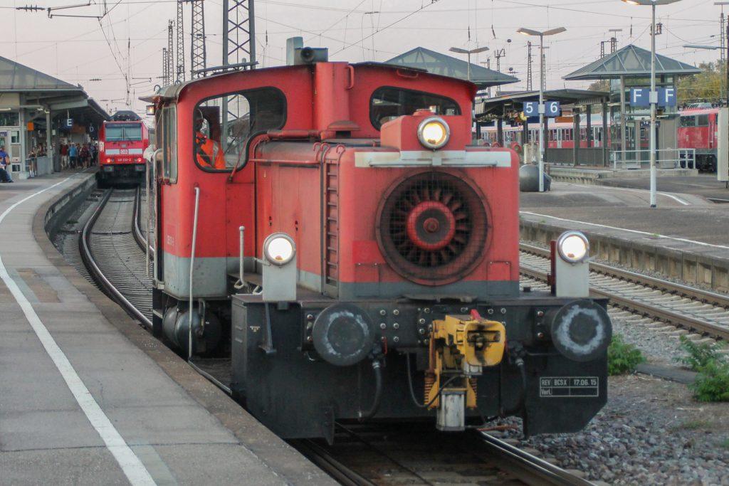 331 131 rangiert im Bahnhof Offenburg, aufgenommen am 10.09.2016.