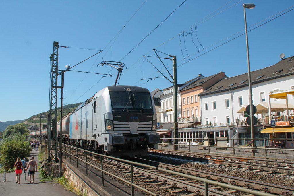 193 811 in Rüdesheim auf der rechten Rheinstrecke, aufgenommen am 25.08.2016.
