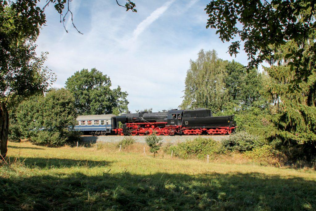 52 4867 bei Usingen auf der Taunusbahn, aufgenommen am 11.09.2016.