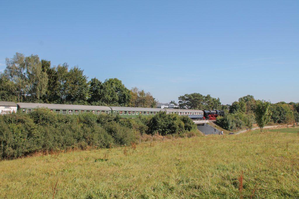 52 4867 am Einfahrsignal von Usingen auf der Taunusbahn, aufgenommen am 11.09.2016.