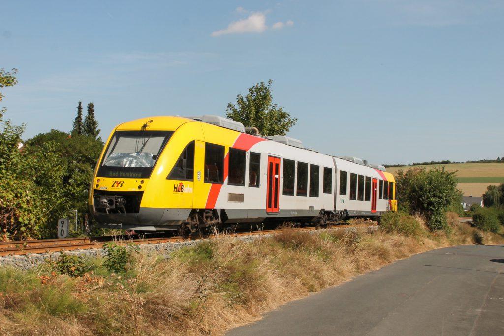 648 403 der HLB in Wehrheim auf der Taunusbahn, aufgenommen am 11.09.2016.