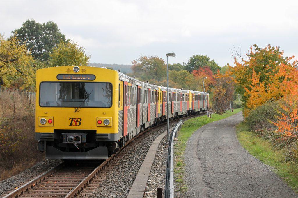 Drei VT2E in Hundstadt auf der Taunusbahn, aufgenommen am 27.10.2016.